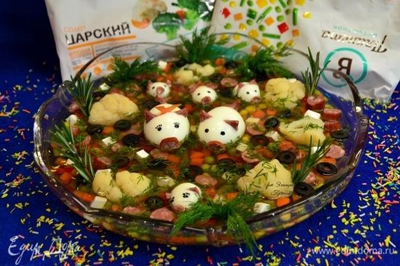 Приятного аппетита! С наступающим Новым годом, ТМ «Планета витаминов»! Ждем в новом году новых витаминов!