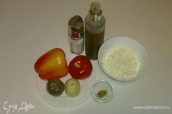 Собираем вместе все необходимые для салата ингредиенты.