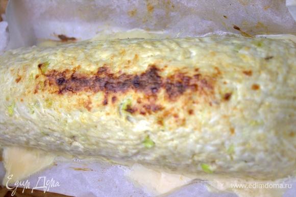 В конце можно вынуть и посыпать верх сыром.