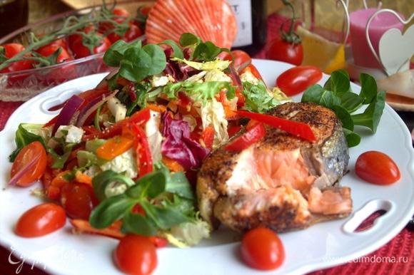 Очень вкусно с хрустящим свежим салатиком!