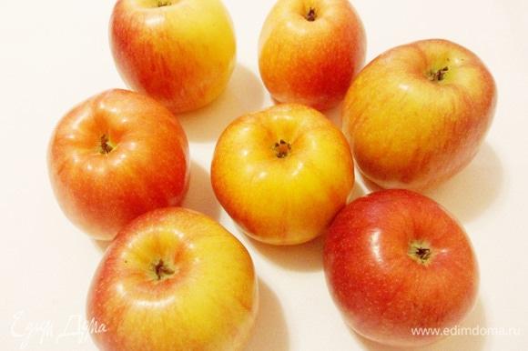 Для приготовления яблочного мармелада лучше взять яблоки сладких сортов.