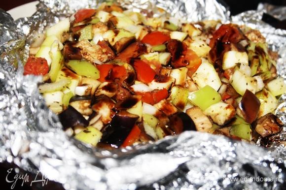 Перед подачей полить бальзамиком. Рататуй на мангале готов, приятного аппетита!