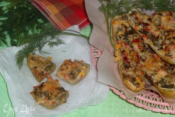 Подавать в горячем или холодном виде со свежими овощами, зеленью, соусами. На природе такие кабачки очень вкусны! Угощайтесь! Приятного аппетита!