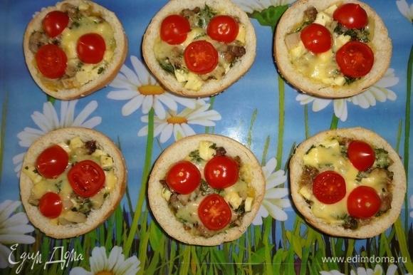 Также берем закуску на пикник (или готовим прямо на пикнике) и перекусываем ею в ожидании шашлыков. Угощайтесь! Приятного аппетита!