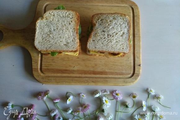 Завершает наш сэндвич хлеб.