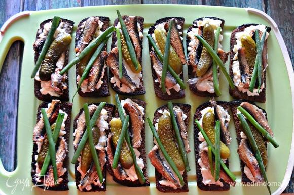 Вкусные «Ностальгические» бутерброды со шпротами готовы!