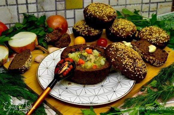 По желанию в суп добавить сметану и зелень. Приятного вам аппетита!