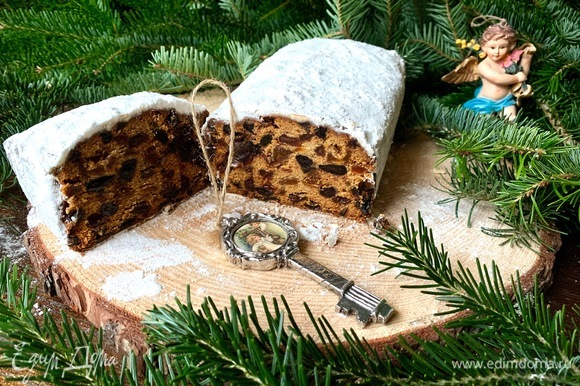 На Рождество можно испечь такие кексы разного размера, украсить и подарить близким и друзьям. Поверьте, это очень достойный и актуальный подарок!