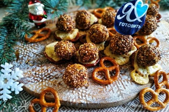Поздравляю всех с Новым годом и Рождеством.