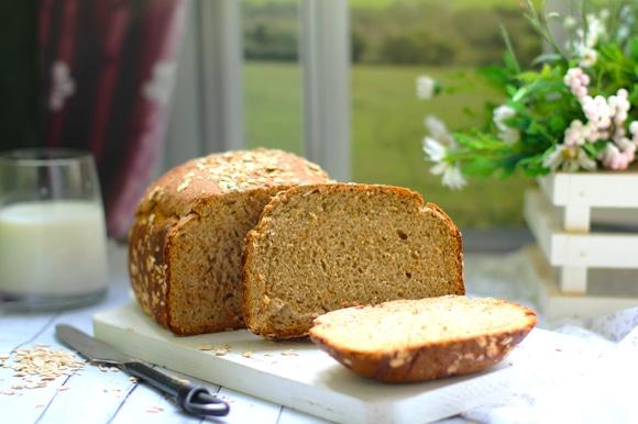 Хлеб получается однородный мелкопористый, размер небольшой.