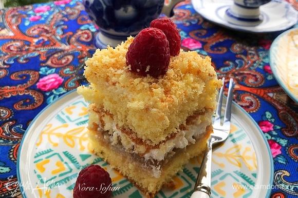 Поставить десерт в холодильник и дать пропитаться 2–3 часа.