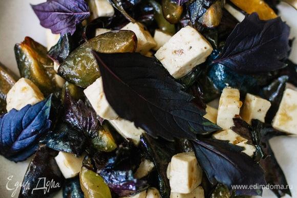 Соль, перец добавить по вкусу, сверху можно посыпать кедровыми орешками. Приятного аппетита!