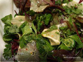 Острый салат с лимоном и каперсами