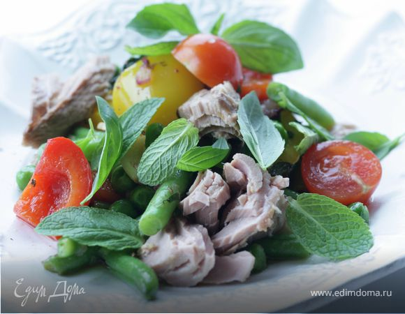 Пряный салат с тунцом