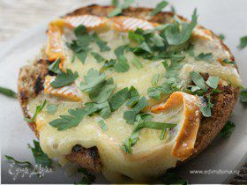 Хлеб с сыром на гриле