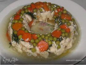 Заливное из курицы с овощами