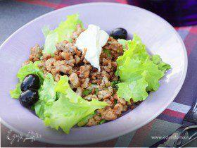 Зеленый салат с фаршем из баранины