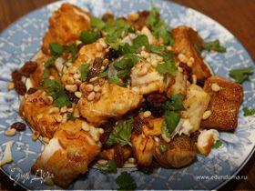 Рыба с шафраном и кедровыми орешками