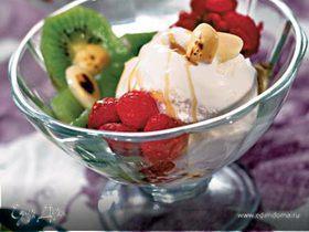 Мороженое с малиной и киви