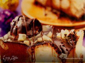 Шоколадный торт с эклерами