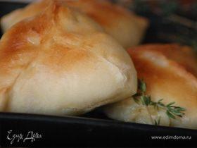 Пирожки с курицей и сельдереем