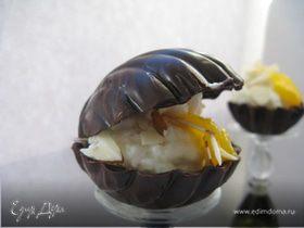 Шоколадные ракушки с муссом из белого шоколада