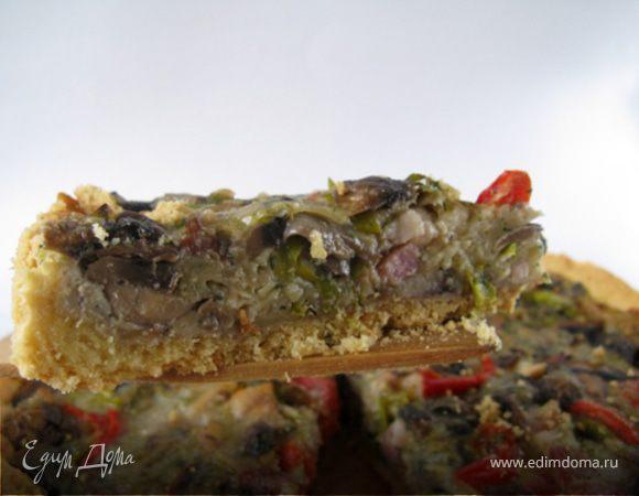 Киш с грибами, беконом и сладким перцем