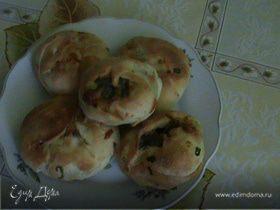 Пирожки с сыром и зеленым луком