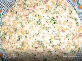 Салат из крабовых палочек, кукурузы,фасоли,яйца