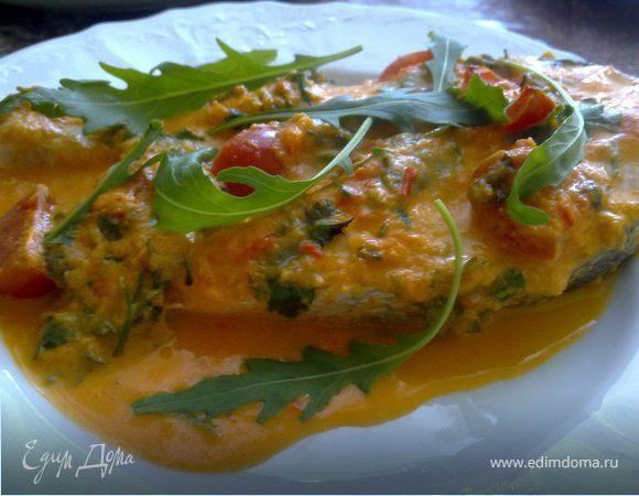 Семга под сливочно-томатным соусом