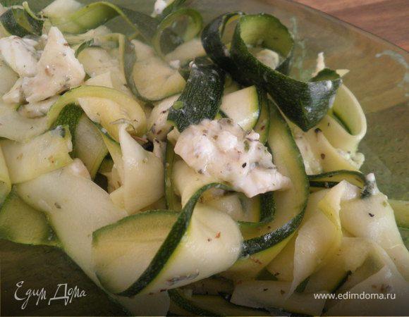 Салат из цукини с козьим сыром