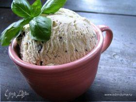 Мороженое с шоколадом и базиликом