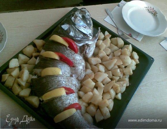 Толстолобик печеный с картошкой