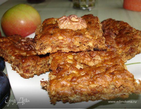 Печенье с яблоками, финиками и грецкими орехами