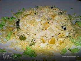 Куриный салат с кедровыми орешками