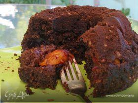 Шоколадный кекс со сливами