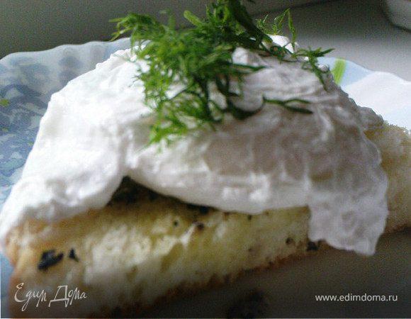 Яйца-пашот на тостах