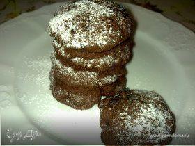 Мягкое шоколадное печенье с черносливом