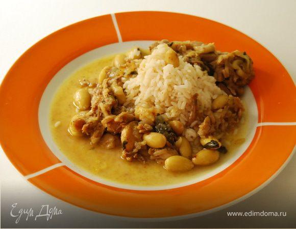Курица с миндалем по-мароккански.