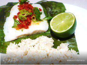 Рыба с соусом самбал и кокосовым рисом
