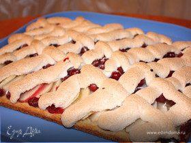 Яблочный пирог с клюквой и безе