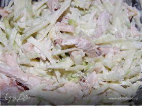 Салат из редьки с окороком.