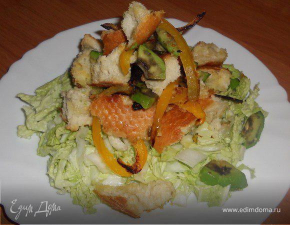 Теплый овощной салат с хрустящей чиабатой