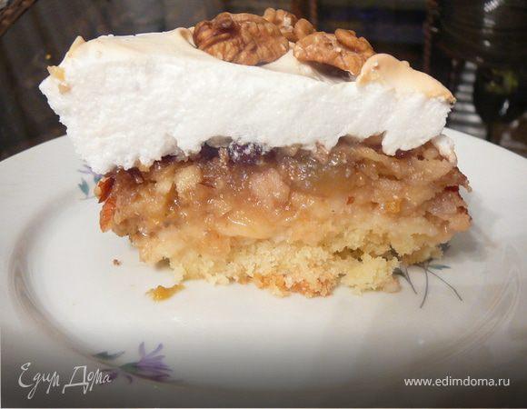 Фруктово-ореховый пирог в снежной шапке