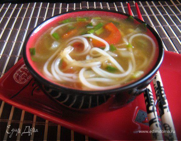 Суп с курицей и лапшой по-китайски