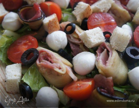 Салат с рулетами из баклажана и бекона