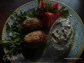 Котлетки с паприкой и соусом из бальзамического уксуса