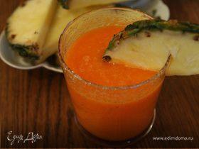 Витаминный сок из моркови и ананаса