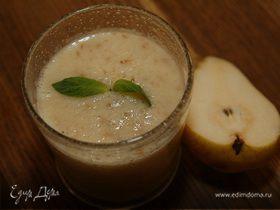 Грушевый смузи с йогуртом и апельсиновым соком