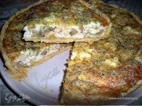 Открытый пирог с курицей и грибами